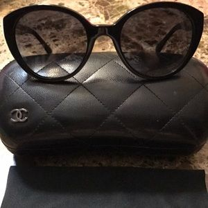 Chanel black cat eye sunglasses with case